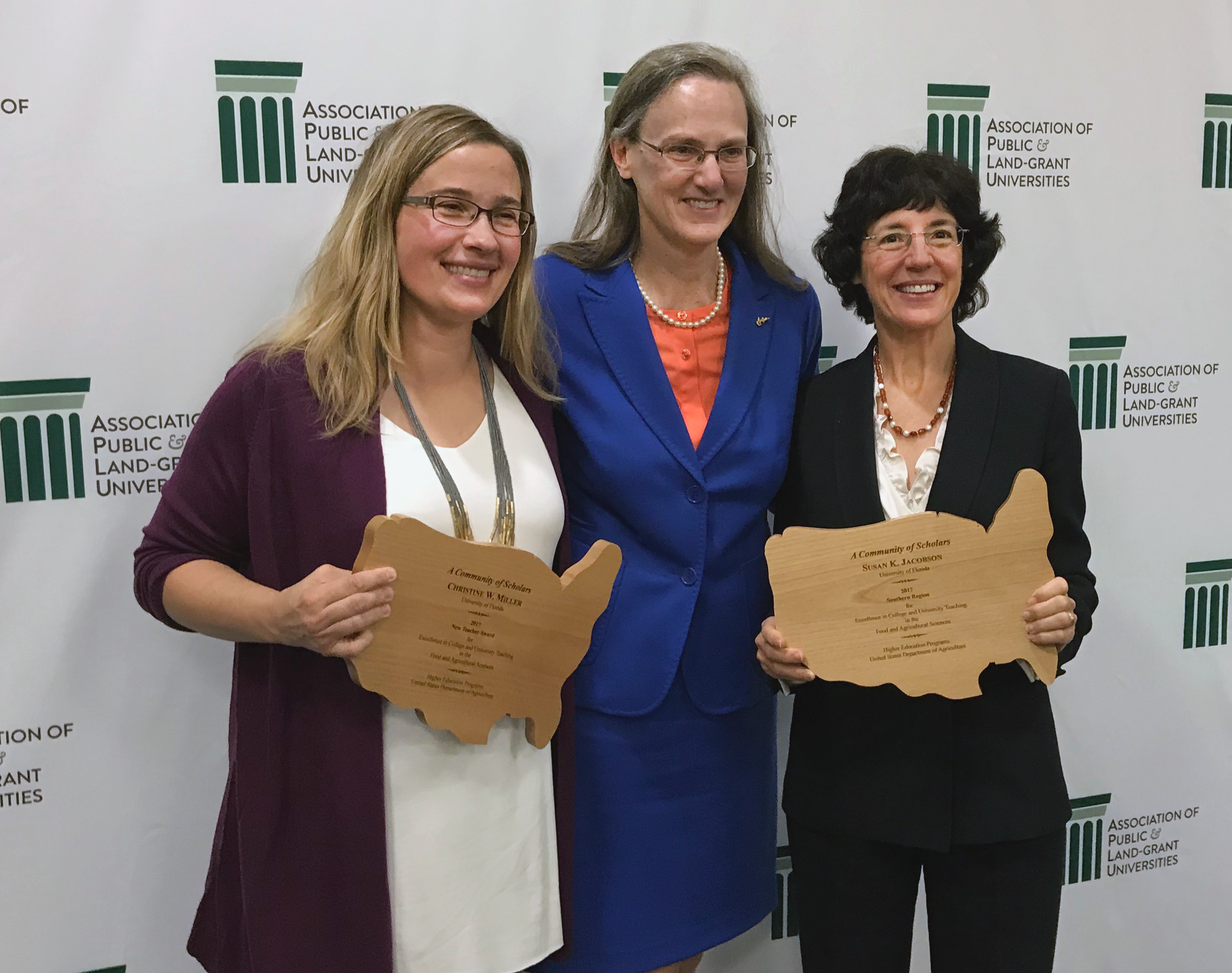 USDA honors 2 UF/IFAS faculty with teaching excellence awards